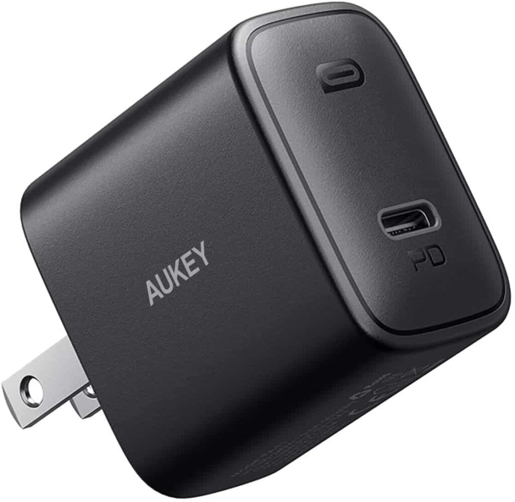 AUKEY SWIFT 18W FAST CHARGER WITH FOLDABLE PLUG